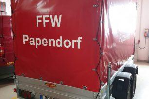 Neuer Mehrzweckanhänger für Papendorfs Feuerwehr